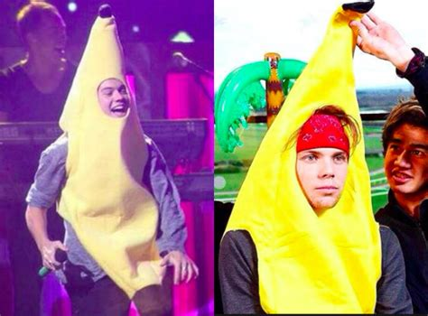 10 times harry styles proved bananas are his favorite food ashton irwin and harry styles 5 times they proved they