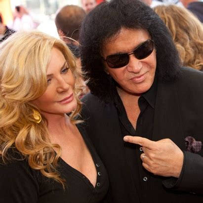 Graphic Footage Of Gene Simmons Plastic Surgery by Shannon Tweed のおすすめアイデア 25 件以上 ジーン シモンズ ロック
