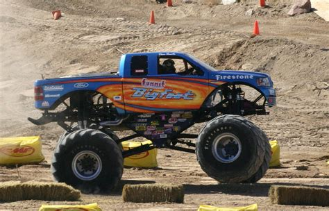 bigfoot monster truck wiki bigfoot monster truck history