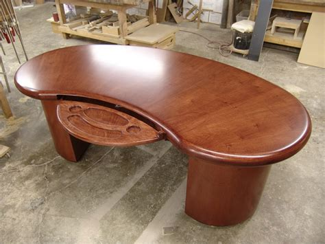 kidney shaped office desk zongkers custom kidney shaped desk