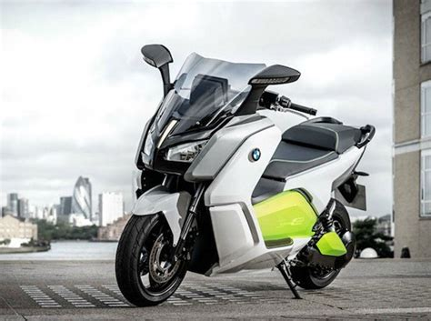 bmw unveils   evolution electric scooterdesign engine