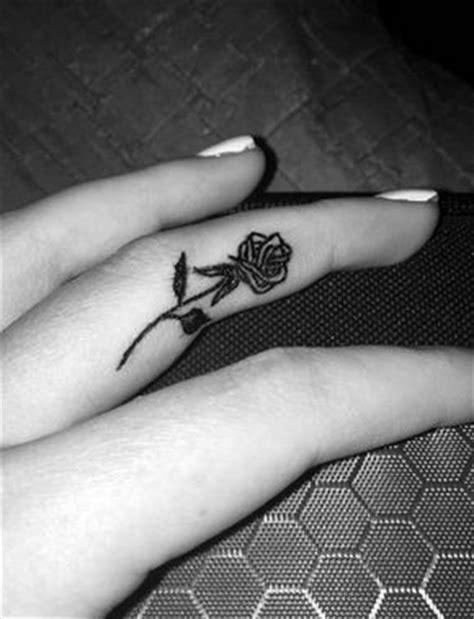 tattoo underside finger the 25 best tattoos ideas on pinterest tattoo ideas