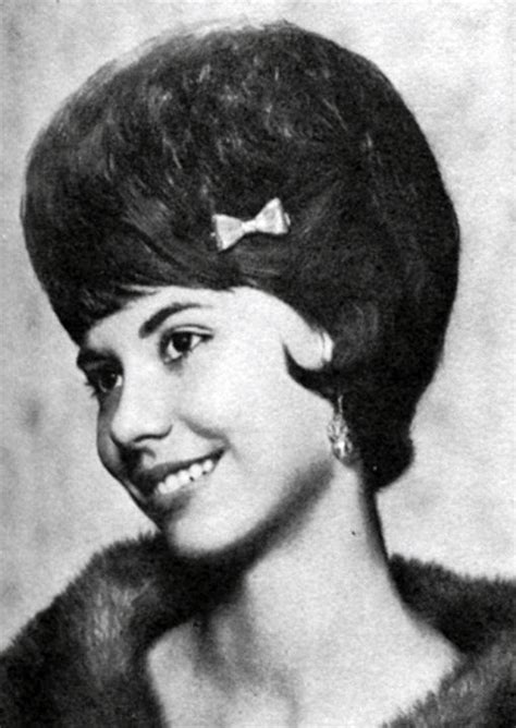 1960s bouffant hairstyle 337 best images about beehive me beautiful on pinterest