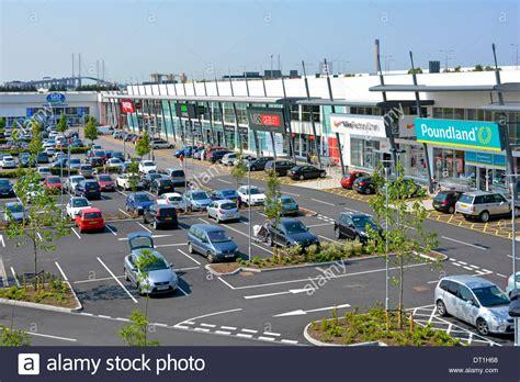 retail park free car parking facilities at lakeside retail park
