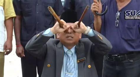 Magnet Kulkas Unik Dari Negara Malaysia ritual unik dukun malaysia melindungi negaranya dari nuklir korea utara indokus