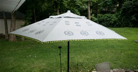 Diy Patio Umbrella Upcycle An Patio Umbrella To A Beautiful Painted One Hometalk