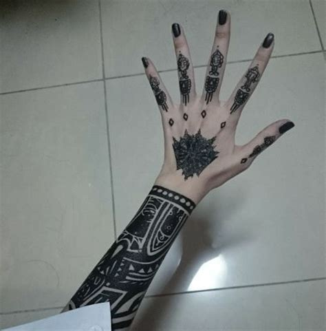 uta tattoo hand 174 best images about fingers tattoos on pinterest ink
