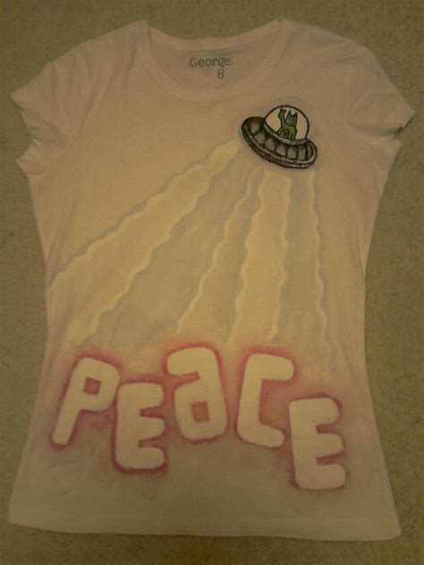 Tshirt Stay Roffico Cloth fabric paint t shirt 3 183 a t shirt 183 stencilling on cut out keep 183 creation by peaceyzz