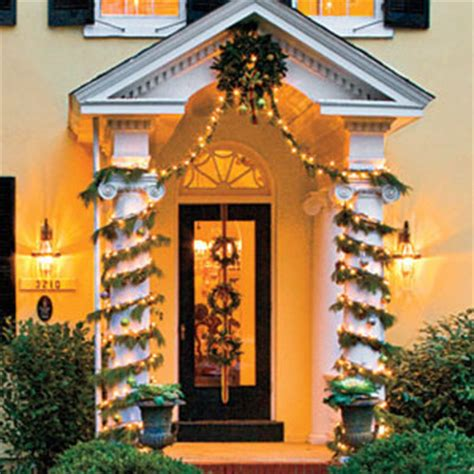 christmas column wrap 40 gorgeous porch decorations transforming your entryway page 4 of 4 diy