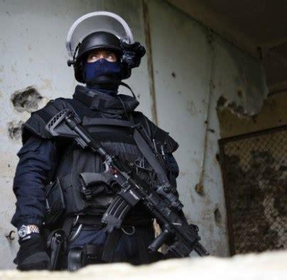 """groupe d'intervention de la gendarmerie nationale """"agent"""