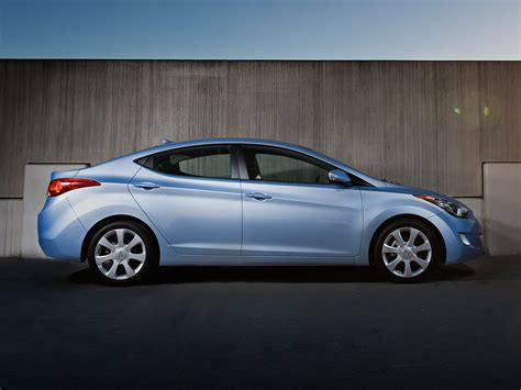2012 Hyundai Elantra Gls by 2012 Hyundai Elantra Price Photos Reviews Features