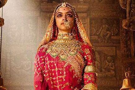 'padmavati' first look: deepika padukone as 'goddess queen