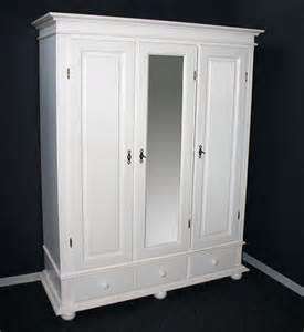 kleiderschrank weiß holz garderoben schrank dielenschrank kleiderschrank