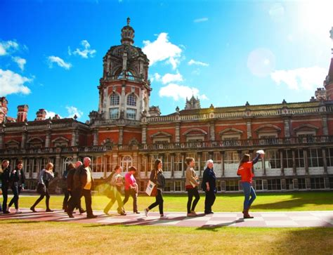 Royal Holloway Of Mba Ranking by Study On Cus In Of