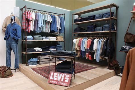 Display Apparel On Showroom Floors - glamshops visual merchandising shop reviews levi s xx