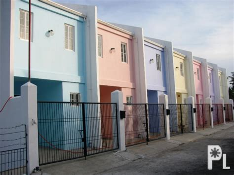 For Apartment In The City New Unfurnished 3 Bed 2 Storey Town House Apartment W