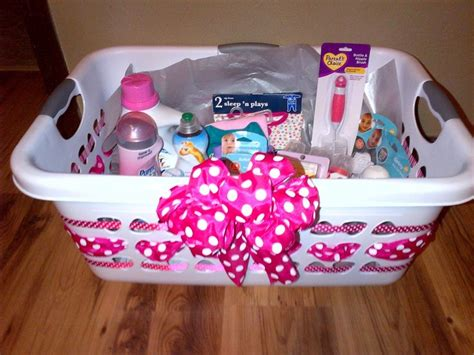 Baby Shower Gift Ideas by Best 25 Baby Baskets Ideas On Baby Gift