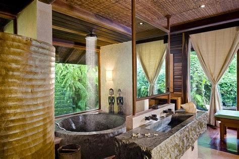hawaiian style bathroom hawaiian style bathroom way cool bathrooms pinterest