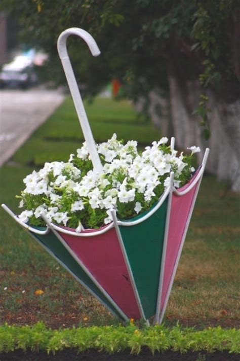 pink and green umbrella planter aka