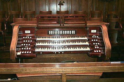 Organ L by Crescent Fort United Church Winnipeg Mb