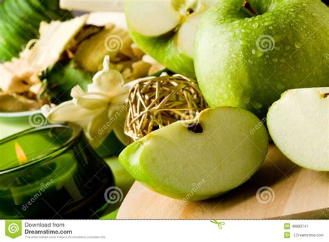 stock image green apple dessert on cutting board image 48882741
