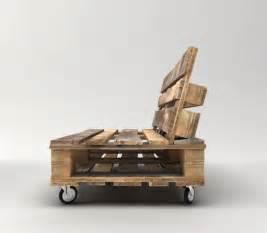 sofa aus paletten paletten sofa bauen anleitung diy wohnen