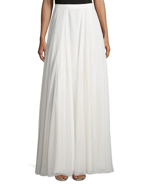 Maxi Flowy lyst flowy pleated maxi skirt in white