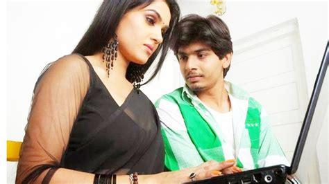 film romance yang hot modern bhabhi romance with young boy new hindi hot