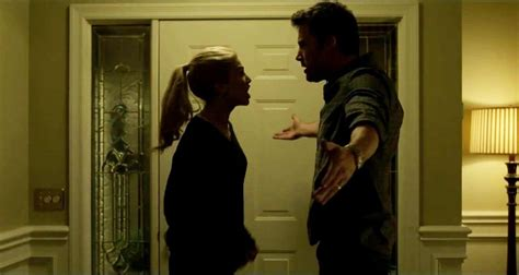 gone girl themes movie new behind the scenes video for david fincher s gone girl