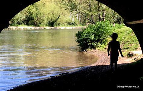 thames river paddling routes sonning thames village circular walk baby routes