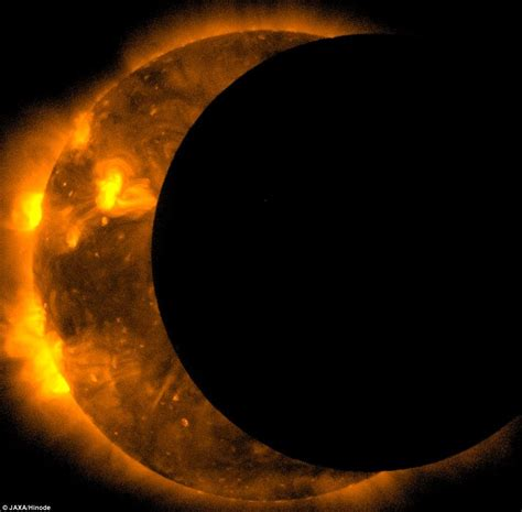 Lunar L by Solar Eclipse 2012 Amazing Pictures Show Space Was The