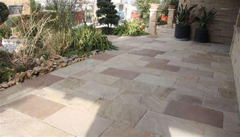 pavimento in pietra per esterno pavimento pietra esterno cotto per posa in esterno