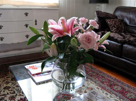 flowers on table coffee table accessories design images photos pictures