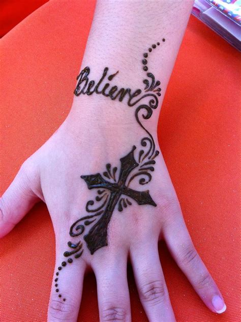 henna tattoo cross 1000 ideas about pretty cross on cross