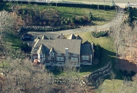 ja rule house a look at saddle river celebrity mansions homes of the rich