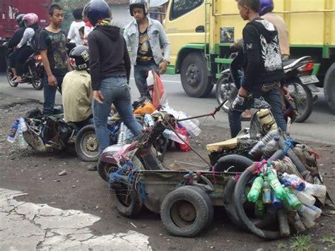 Modifikasi Vespa Jadi Mobil by Kumpulan Modifikasi Vespa Quot Gila Quot Ini Hanya Ada Di Indonesia