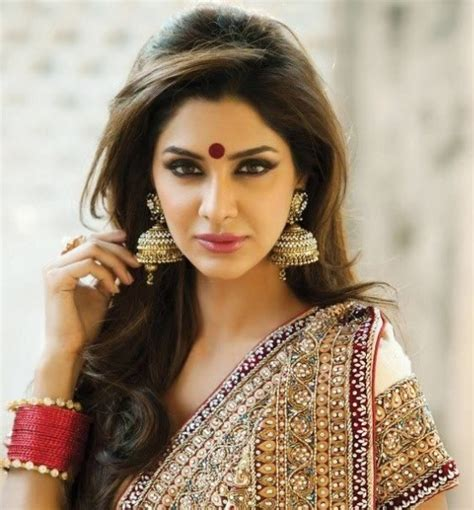 hairstyles to do on saree flaunting trendy hairstyle with sarees tamil beauty tips