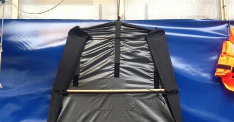 dekzeil open zeilboot rollercap dekzeil voor open zeilboten dekzeil voor sloep