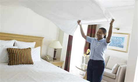 house keeping hotel housekeeping tips hilton mom voyage