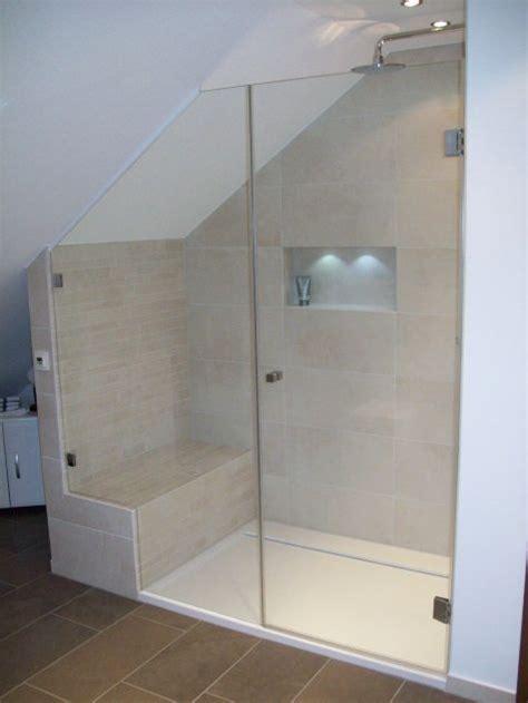graues und schwarzes badezimmer dusche gemauert suche bad suche