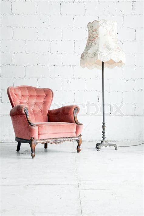 Halbrunde Sofas Im Klassischen Stil by Rosa Klassischen Stil Sessel Sofa In Vintage Zimmer