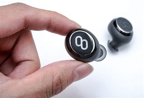 Headset Penerjemah Bahasa device ini bisa mentranslasi secara langsung 37 bahasa