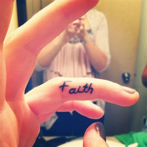 finger tattoo faith faith finger tattoo i want one that goes around and