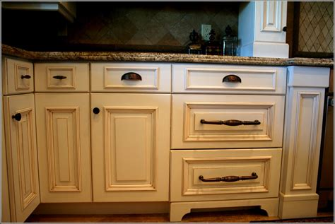 where to put handles on kitchen cabinets 100 where to put handles on kitchen cabinets