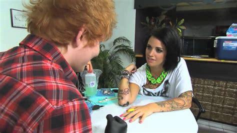 harry styles tattoo von ed sheeran muchmusic ed sheeran tattoos phoebe dykstra on nml youtube