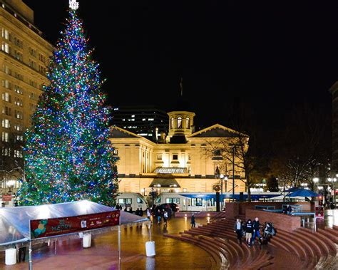 images of portlands xmas trees file in portland s living room jpg wikimedia commons