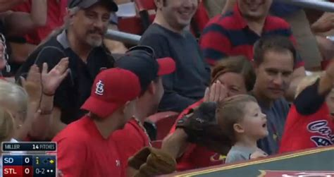 pirates fan tosses foul ball to young girl youtube young cardinals fan throws foul ball back on field father