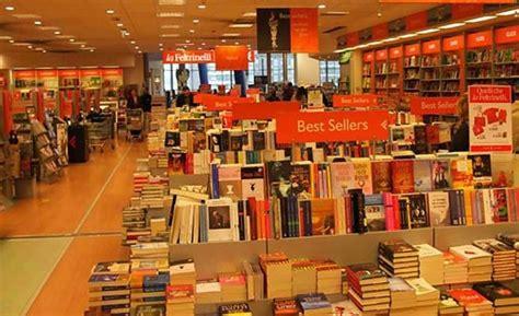 librerie mondadori bologna feltrinelli i tweet d autore bologna repubblica it
