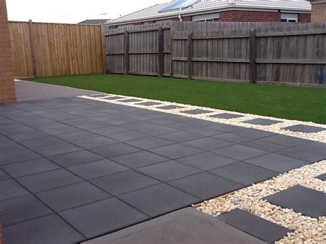 Patio Pavers Turning White Pavers And Pebble Combination Outdoor Ideas