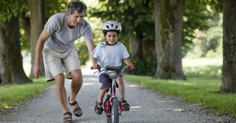 imagenes de niños jugando en bicicleta ciclismo eleva autoconfianza en ni 241 os salud180